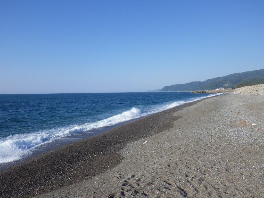 糸魚川海水浴場(ヒスイ海岸)