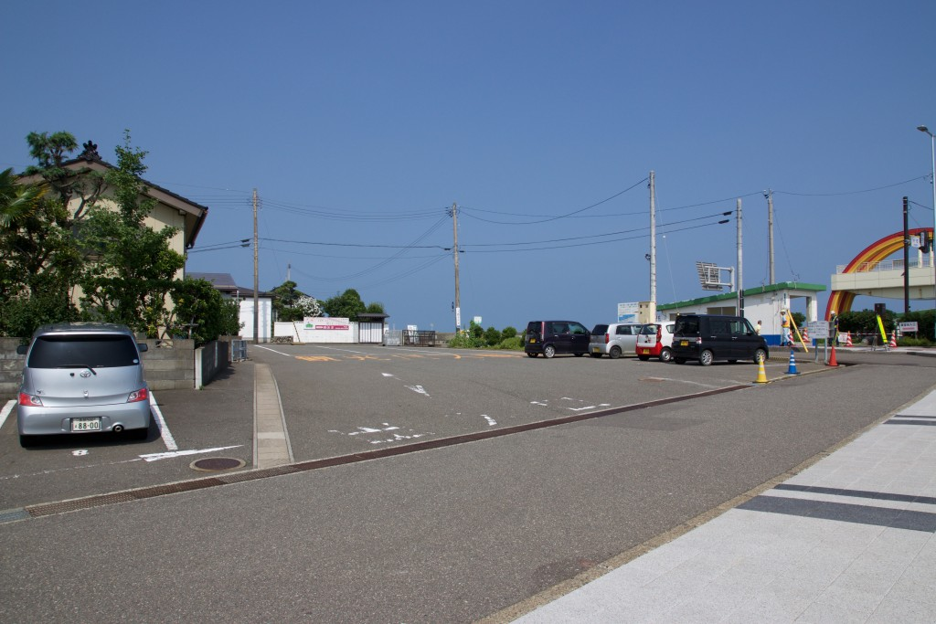 駅前海望公園向かいにある観光バスも止められる駐車場