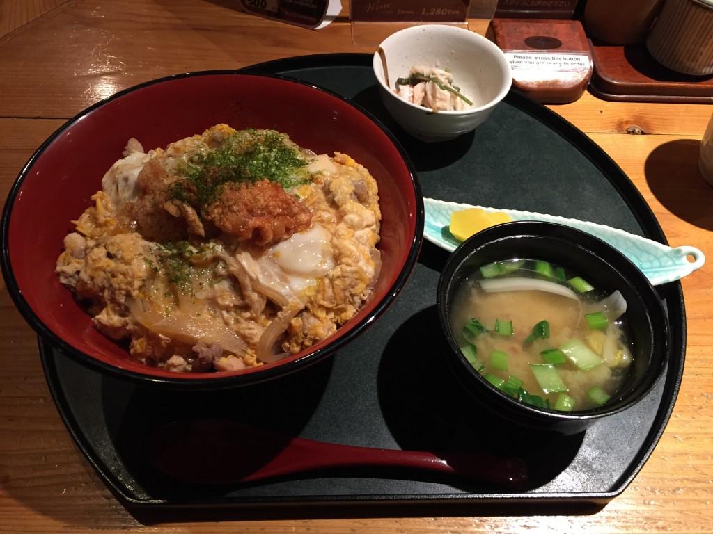 ダイニングバー 徳菜光 地鶏親子丼